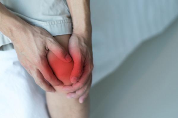 lichid în tratamentul bursitei genunchiului proeminența genunchiului de articulația apariției lichidului