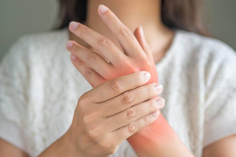 umflarea durerii articulațiilor mâinilor dureri de genunchi la flexie