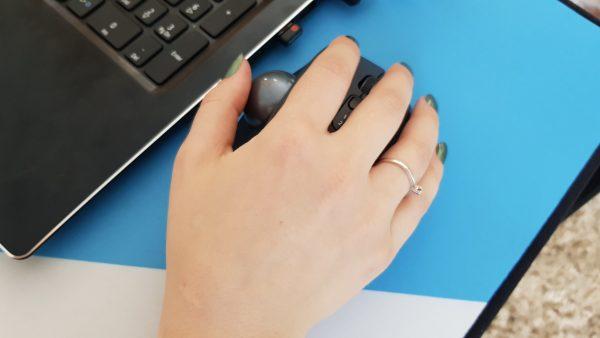 articulația degetului arătător doare de la mouse unguent cu bilă pentru dureri articulare