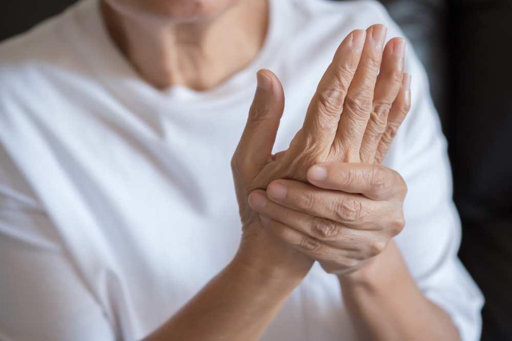 Poliartrita reumatoida, Artrite sau semne de artroză pe mâini