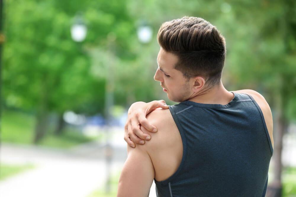 crampe și dureri de umăr durere la încheietura mâinii decât să trateze