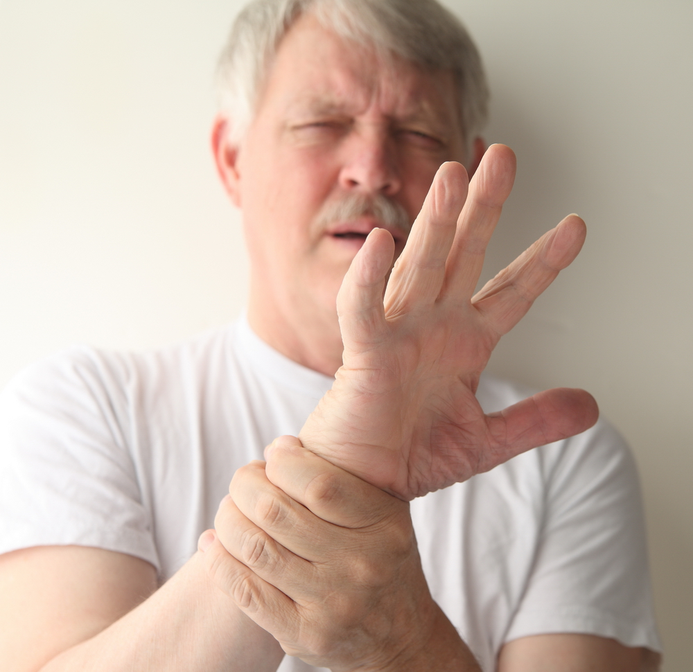 articulațiile pe degete și umeri doare