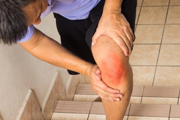 dureri de picioare la genunchi articulații comprimate nimulide pentru durerile articulare