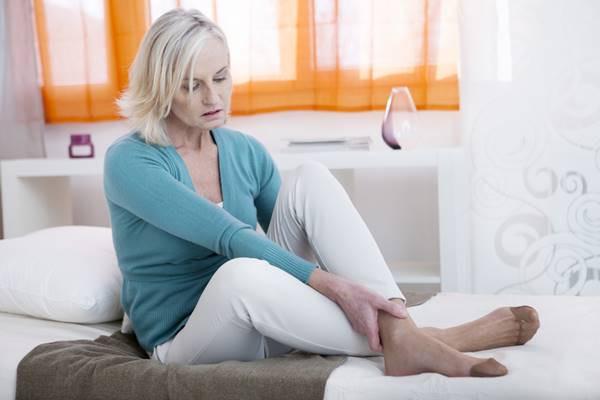 durere și umflare la gleznă