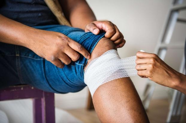 tratament pentru infecția genunchiului boala articulară a sternului clavicular