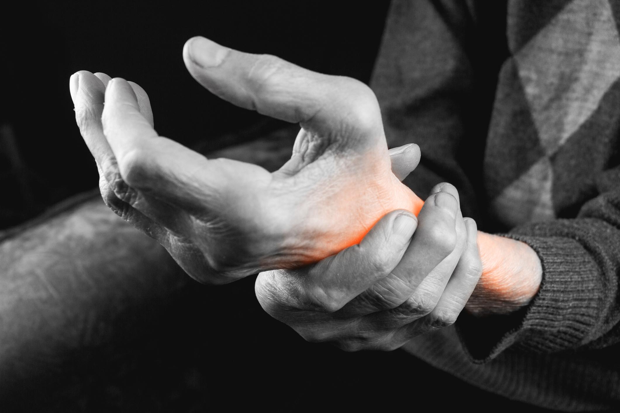 tratamentul artritei posttraumatice a mâinii tratăm articulațiile genunchiului