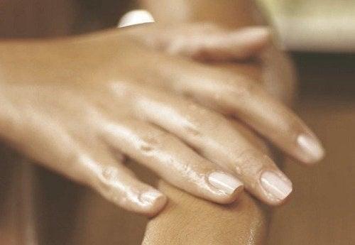 umflarea articulațiilor de pe picioare Tratamentul durerii la glezne