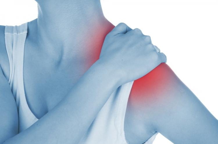 articulațiile brațelor umerilor doare