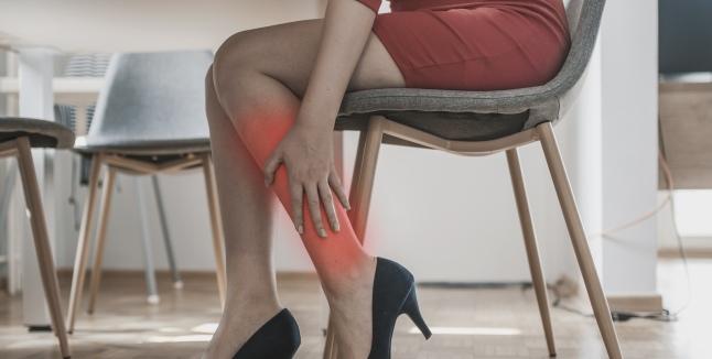 dureri simetrice în articulațiile picioarelor