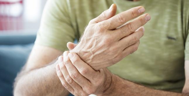 Ameliorați inflamația articulațiilor degetelor